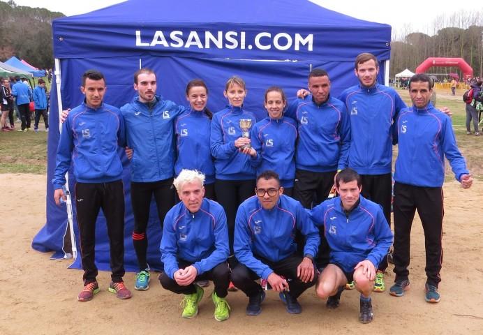 Segona edició que un equip gironí guanya el campionat català de cros llarg en 101 anys d'historia de campionat (La Sansi)
