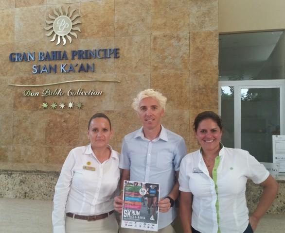 Josep Lluis Blanco es reuneix a Rivera Maya per organitzar la 1a Sansi Rivera Maya de 10km.