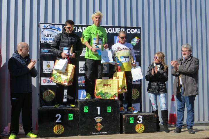 Blanco y Mireia Sosa a 10km y en la Media Pastó y Castelló ganadores en Balaguer con 1.100 participantes