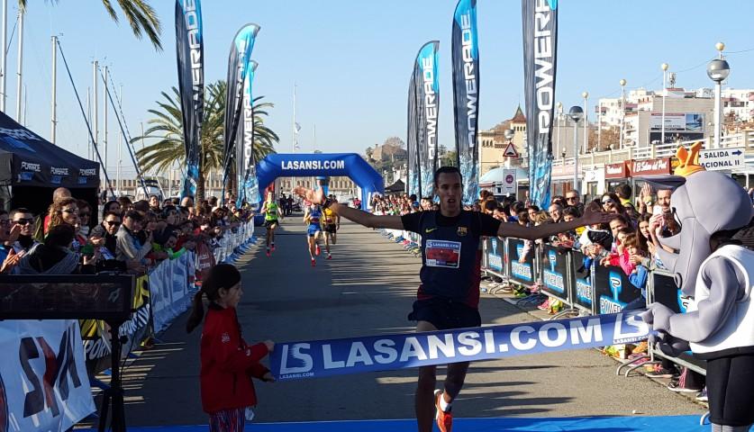Abojuanak El Mehdi (Marruecos) y Jekaterina Patjuk (Estonia) ganan la 36ª San Silvestre del Masnou con cerca de 1.900 llegados