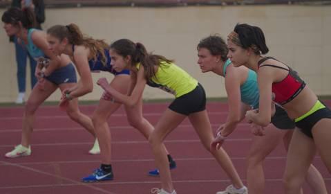 Más de 600 atletas, en el meeting federado de La Sansi en Lloret, con atletas internacionales, récords de España y participantes mediáticos