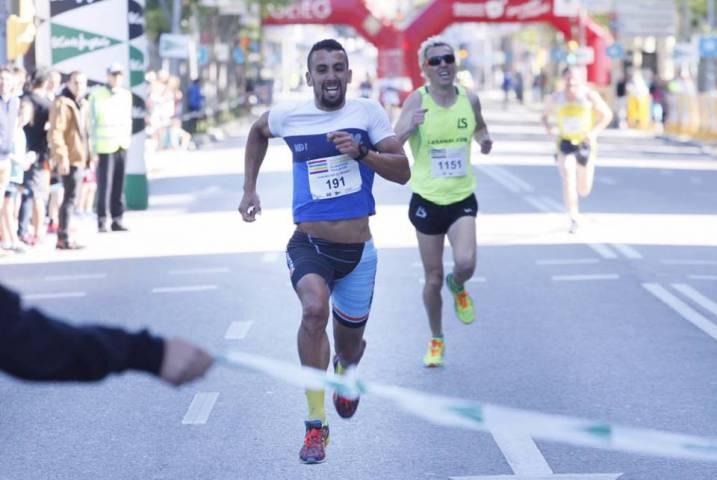 Isam Mounid supera al sprint a Jose Luis Blanco y el francés Benfodda en la 21ª Carrera Popular Ciudad de Girona de 5km