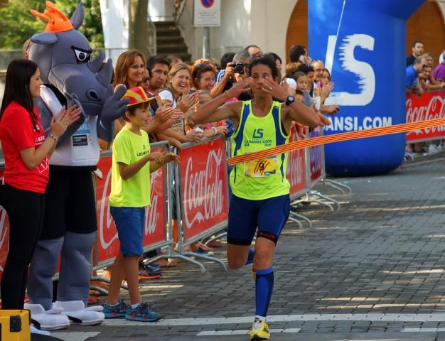 Edgars Sumkis y Hasna Bahom ganan la 3a Cursa de la Diada de Bellaterra, la carrera más participativa de Cataluña.