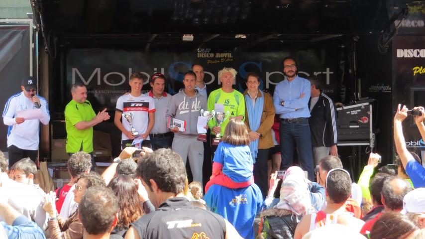 """Blanco ganador de la 27ª edición de los 10km de Girona """"Esports Parra"""""""