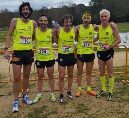 L'equip de La Sansi femení i Jose Lluis Blanco campions al campionat català de cros veterà a Caldes de Malavella