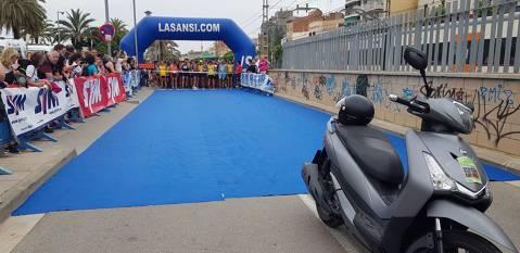 Rubén Castro y Alicia Saltor ganadores de la 7ª Carrera popular de El Masnou
